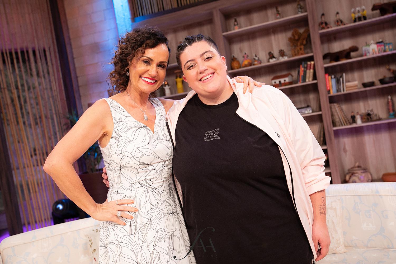 """""""Sonho em cantar com Caetano Veloso"""", afirma Ana Vilela no programa Ritmo Brasil neste sábado (30)"""