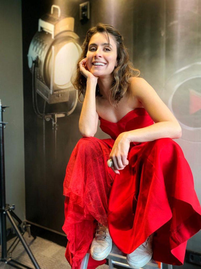 Camila Santanioni participa da 2ª Mostra Filmes Cinesystem.