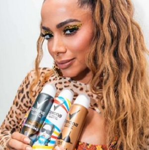 Anitta conquista marcas e agências