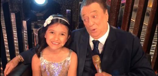Lívia Oliveira grava vídeos Turma Vovô Raul Gil