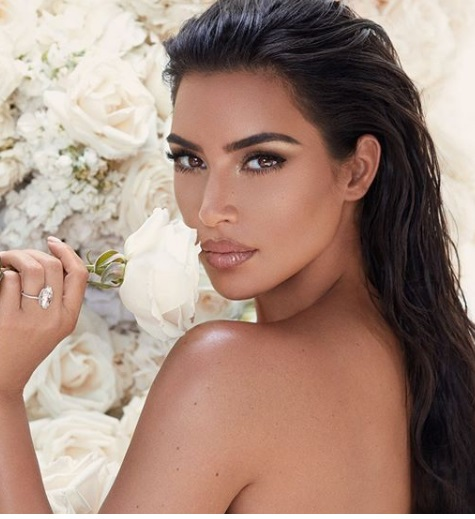 Kim Kardashian lança a Mrs. West Collection