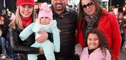 Cantor Edson curte folga com familia em NY