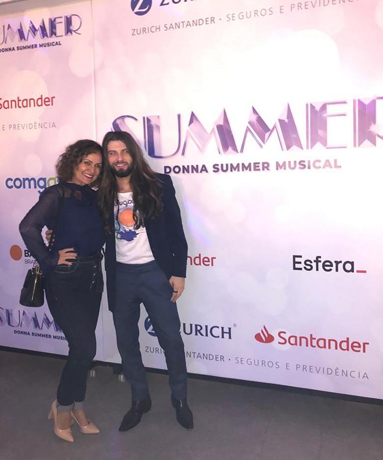 Faa Morena prestigia espetáculo 'Donna Summer Musical'