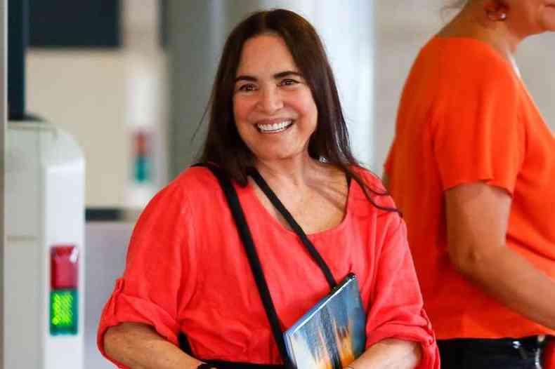 Regina Duarte deixa a Secretaria Cultura