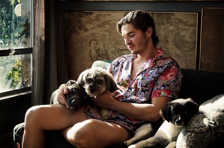 Victor Belchior lança coleção capsula pijamas