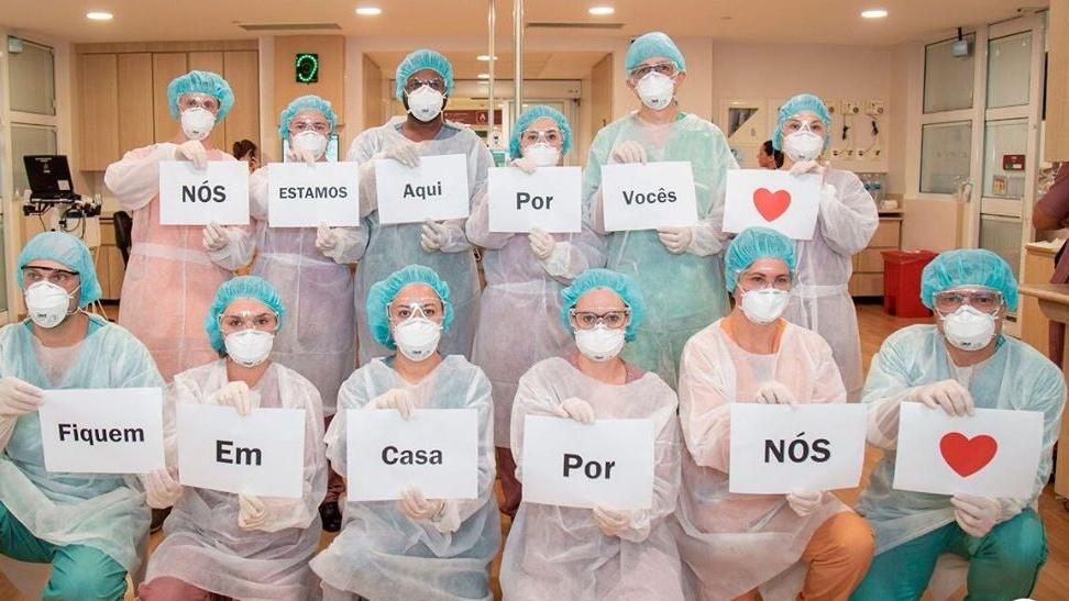 Dia das Mães homenagem às profissionais saúde
