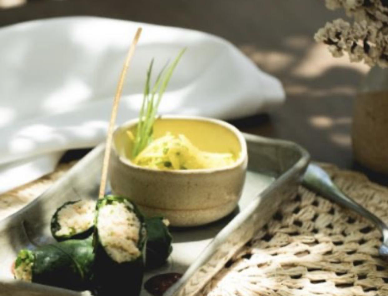 Aprenda como fazer charuto de camarão do Txai