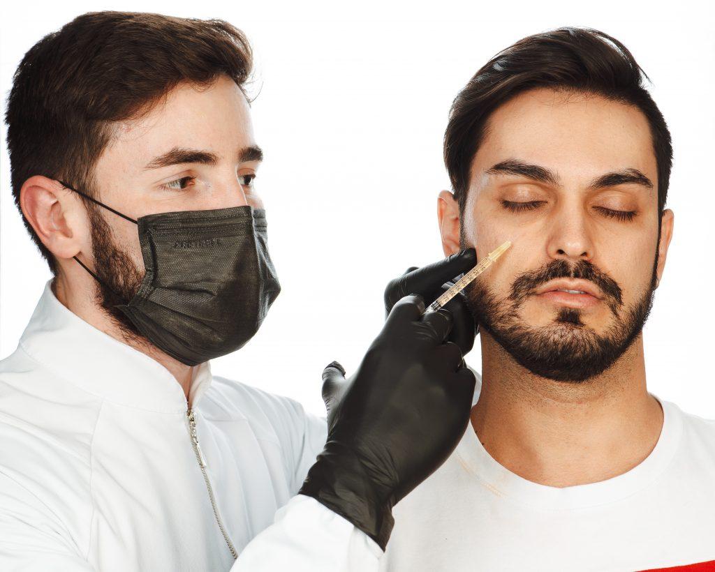 Máscara destaca expressão do olhar