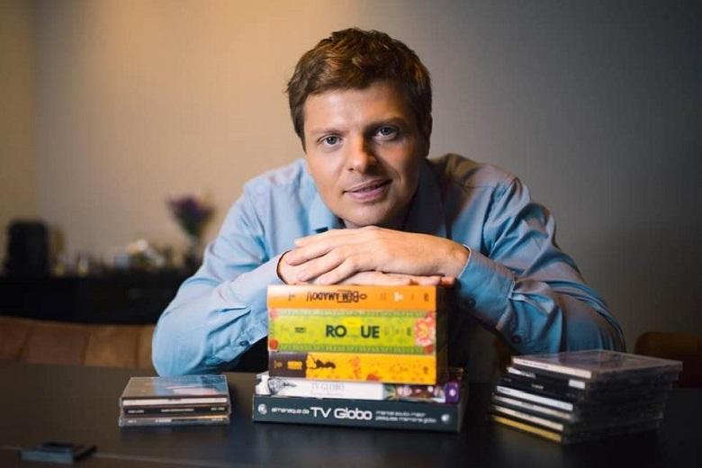 Digital Marcos Michalak comemora suas lives no @noveleiros real