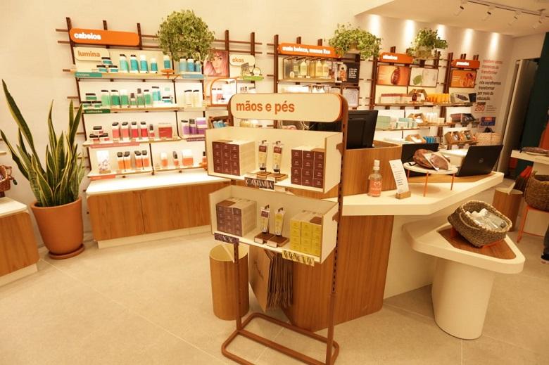 Natura inaugura loja no Shopping Taboão