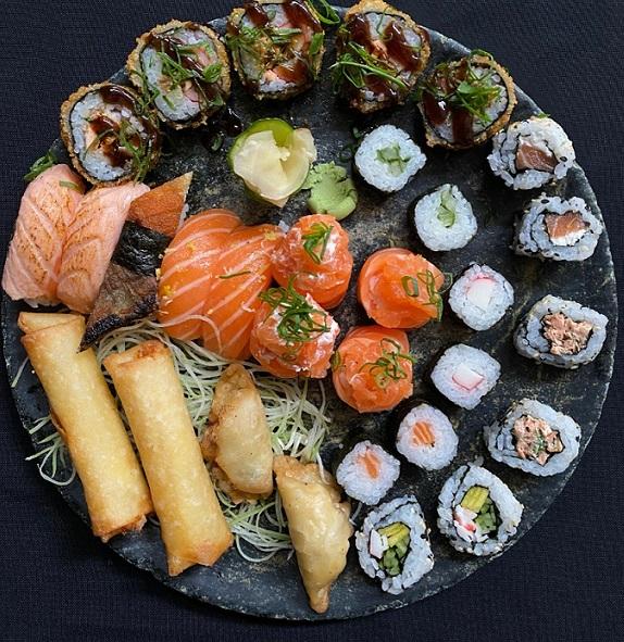Eat Sushi reabre salão e traz para o delivery opções de sushis
