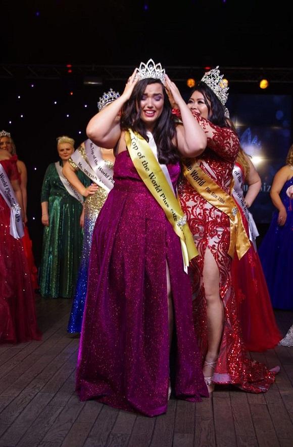 Nina Sousa a primeira  brasileira a conquistar título mundial beleza Plus Size