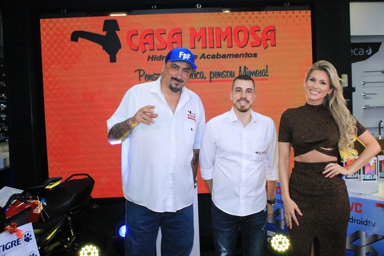 Lívia Andrade apresentou LIVE Dia do Instalador Hidráulico