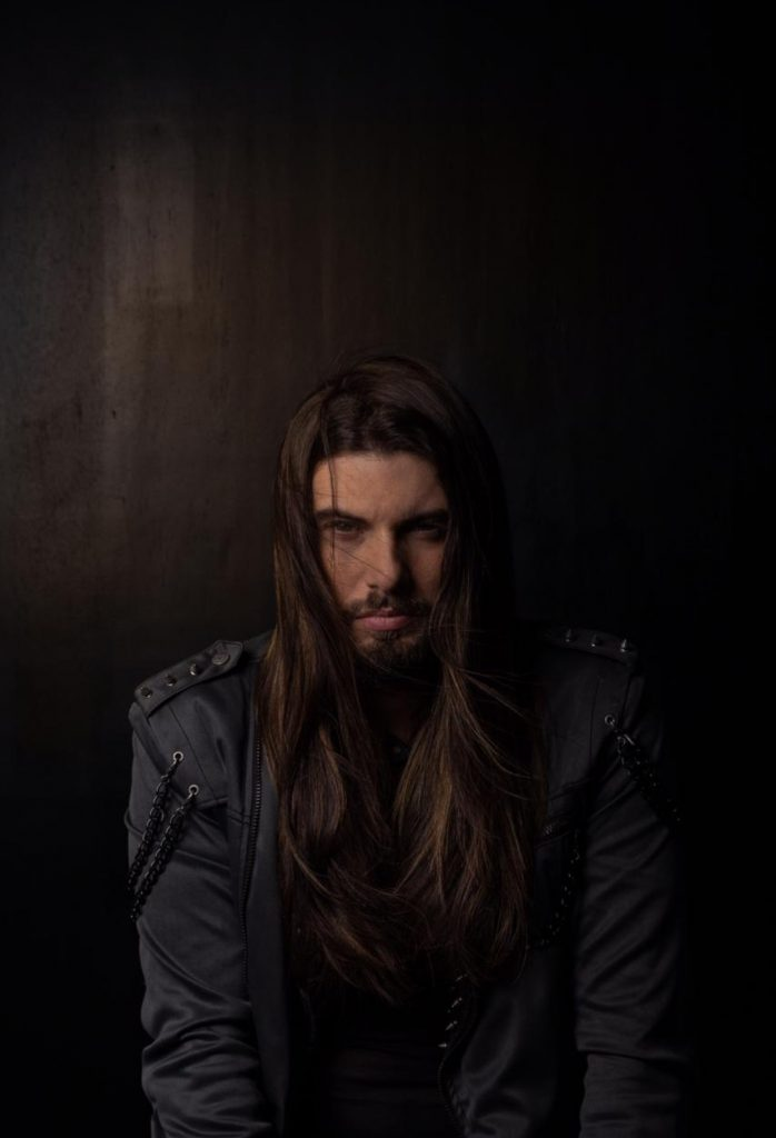 Saulo Meneghetti em estúdio box 406