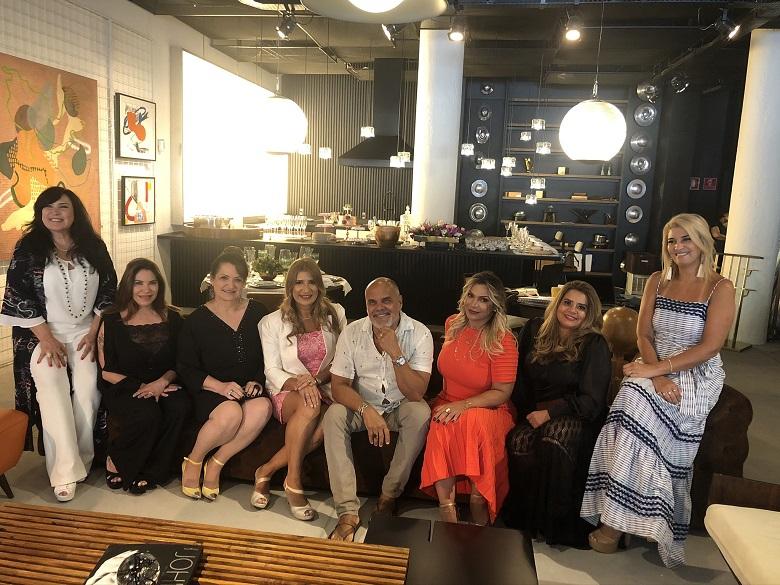 Brunch com amigas Mulheres da Capa Elite Luxury