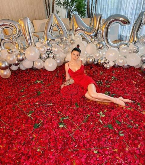 Bianca Andrade recebeu buquê 3 mil