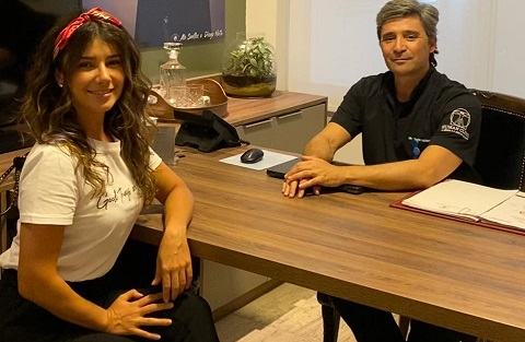 Paula Fernandes esteve hoje, 30, na Human Clinic, em São Paulo