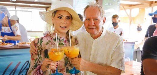 Welington Veiga celebra seu aniversário com sua esposa Ângela Maciel em petit comité