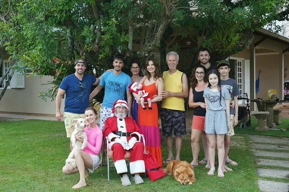 Julia Pereira comemora o Natal em família no último domingo (25)
