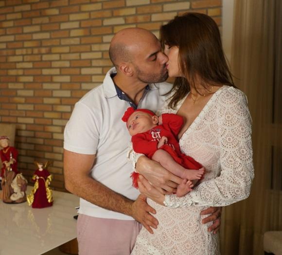 Julia Pereira comemora o Natal em família na última sexta-feira (25)