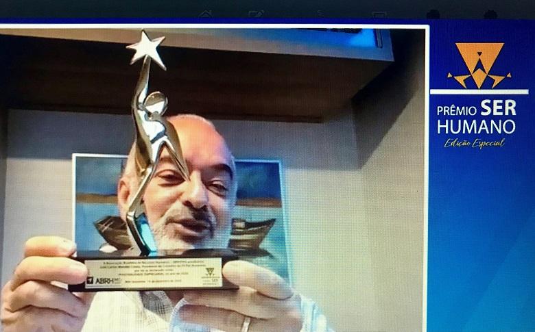 Luiz Carlos Mendes Costa, da Pif Paf, recebeu Troféu Personalidade Empresarial 2020