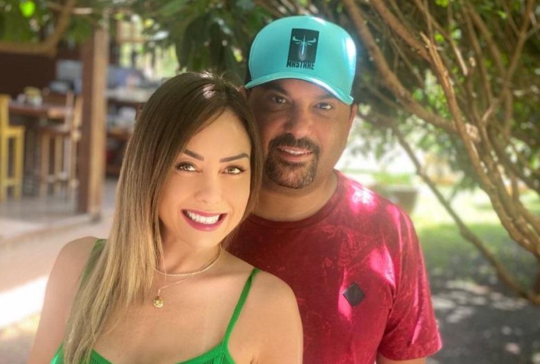 O casal Sertanejo Edson e a esposa Deia Cypri aproveitou  para curtir final semana na fazenda Minha Estrela