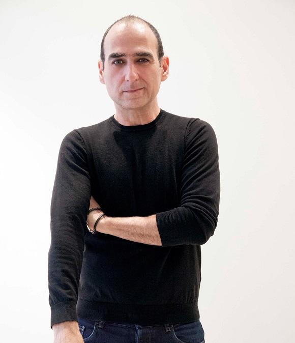 Amir Slama + Andrade Máquinas costuram os caminhos da moda