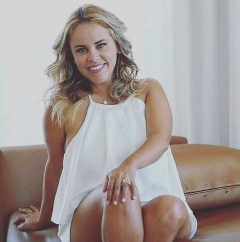 """Atriz Viviane Alves Estreia quadro """"Direito de Resposta"""" dia 12/02, no Canal Click Jo Ribeiro/Youtube"""