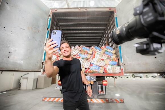 WSolidário de Wesley Safadão e Thyane Dantas recebe mais de 20 toneladas de alimento para doação