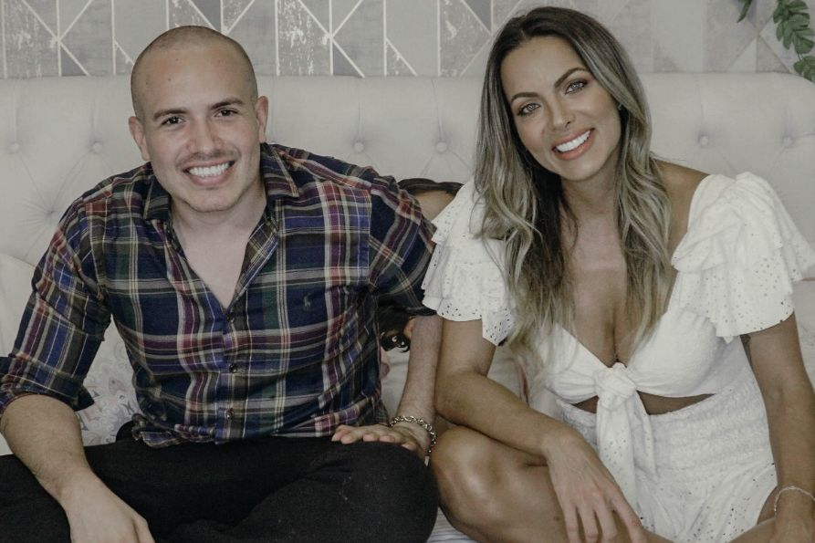 Carla Prata diz em entrevista a Jr Pacheco, que já passou por três relacionamentos abusivos