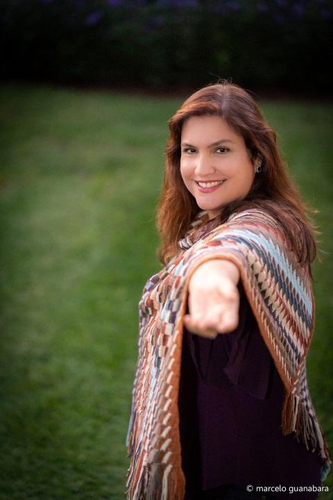 Fabiana Cozza é a convidada do dia 16 de Abril