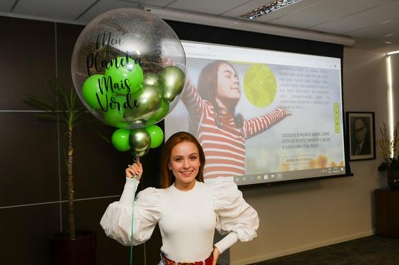 Larissa Manoela e Sophia Medina apoiam a campanha Meu Planeta Mais Verde da Ambipar