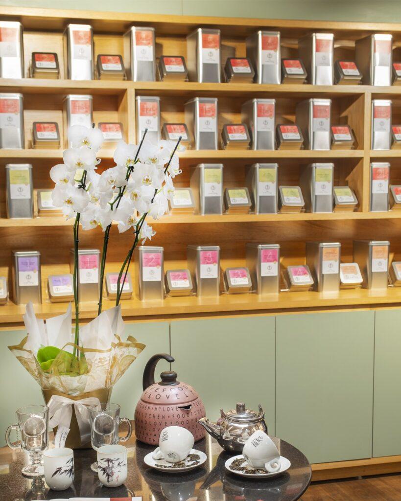 O poder dos chás: o mais novo ritual de autocuidado 40 variedades importadas da franquia europeia