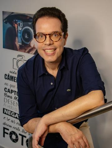 """Dr. Leonardo Lourenço lança o livro """"A Síndrome do Gênio da Lâmpada"""""""