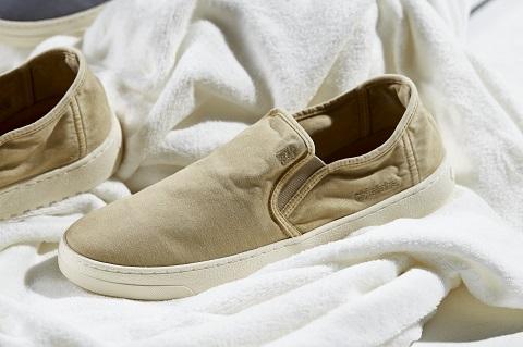 Brand Homem do Sapato lança coleção inspirada nos comerciais de amaciantes dos anos 90 e 2000