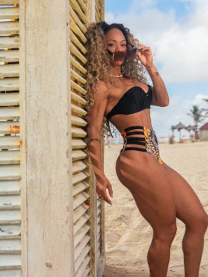 Dry Alves, Musa fitness e Repórter da Revista MaisBonita em ensaio fotográfico