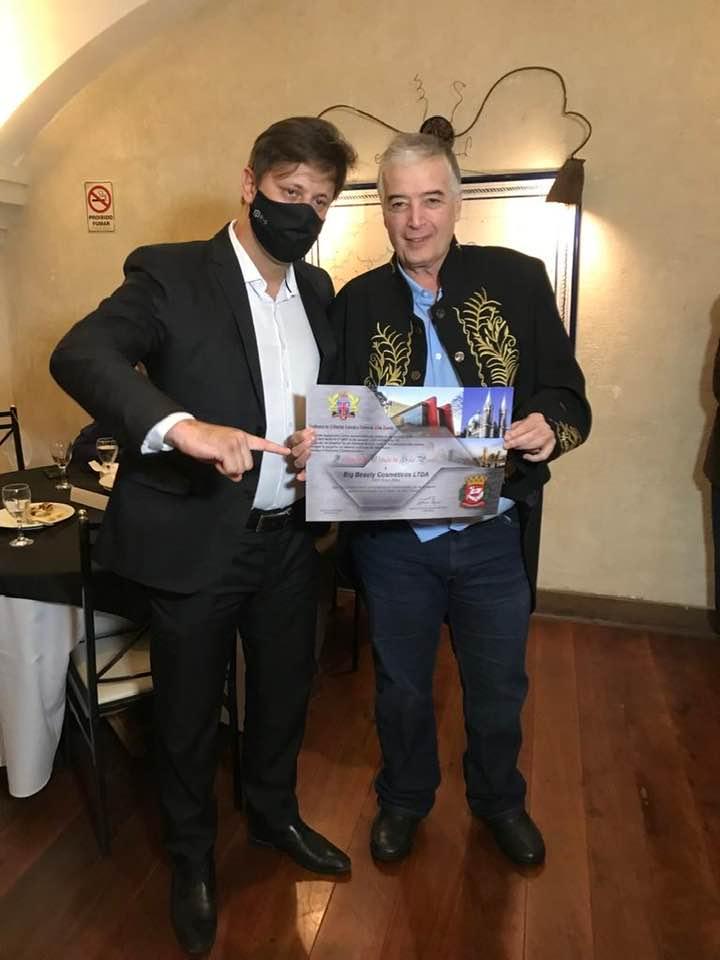 """Presidente da ACLASP Roberto Ferrari fez a entrega do diploma """" Fundação Cidade de São Paulo"""