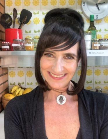"""Ilana Kaplan em entrevista ao podcast """"Debates Inúteis"""""""