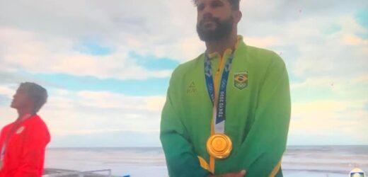 Ítalo Ferreira é campeão olímpico no surfe e dá 1º ouro ao Brasil em Tóquio