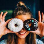 A vontade de comer doces, pode ser apenas seu corpo querendo uma compensação